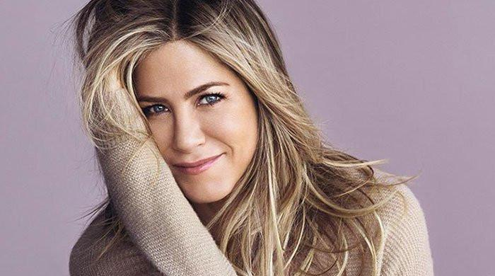 Jennifer Aniston swears off dating apps for this reason