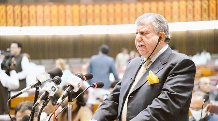 PM Imran Khan will not succumb to IMF pressure, says Shaukat Tarin