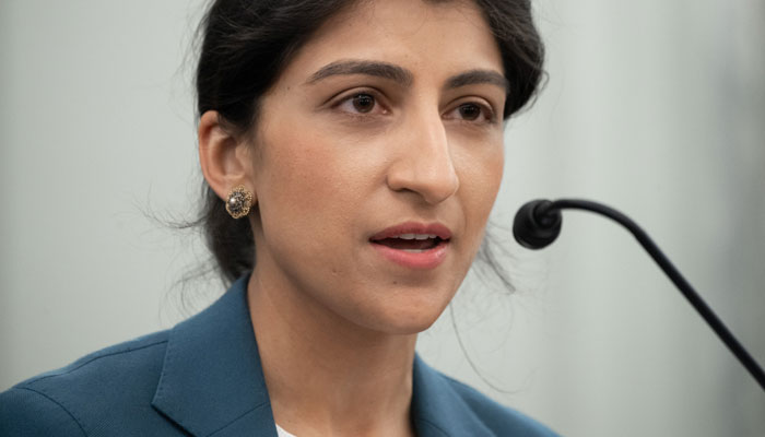 Amazon wants FTC chair Lina Khan to recuse from investigations