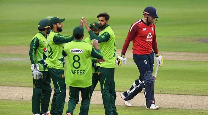 Pakistan poised for victory owing to COVID-19 crisis in England camp