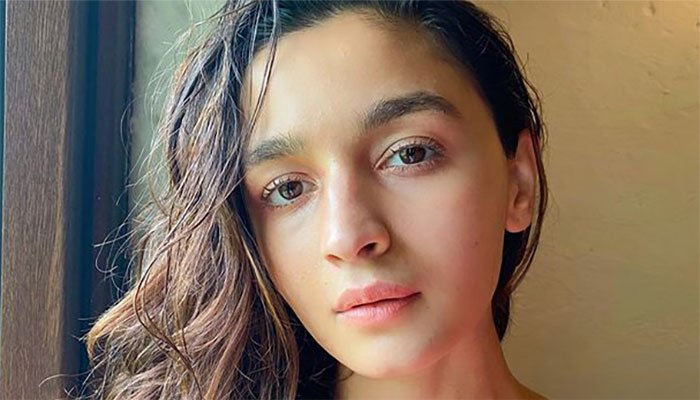 Alia Bhatt signs with US talent agency for Hollywood debut