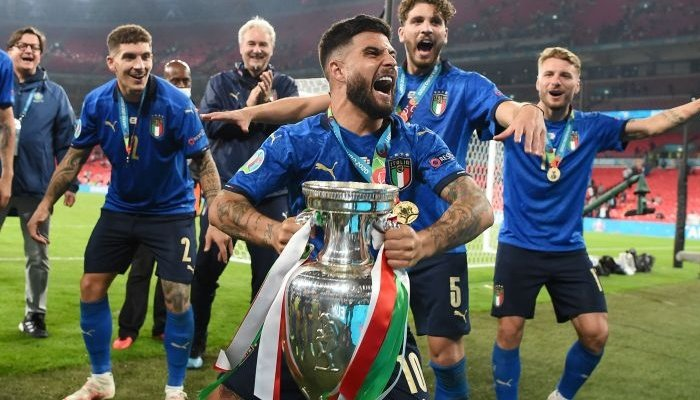 Italian footballers celebrate after winning the Euro Cup 2020 final. Photo: Reuters
