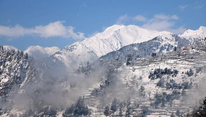 A general view of snow-covered mountains after a heavy snowfall in Neelum Valley near the Line of Control (LoC), Pakistan, January 14, 2020. — Reuters/File