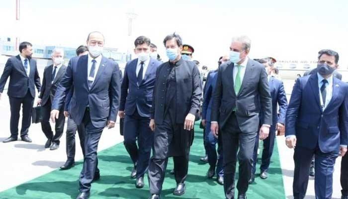 Prime Minister Imran Khan arrives with his entourage in Uzbekistan. Photo: APP
