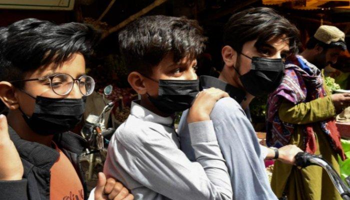 Pakistans active coronavirus case count nears 50,000