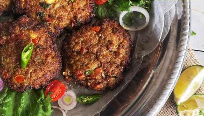 Peshawar is known for its chapli kebabs. — Instagram/chef.de.casa_sadu