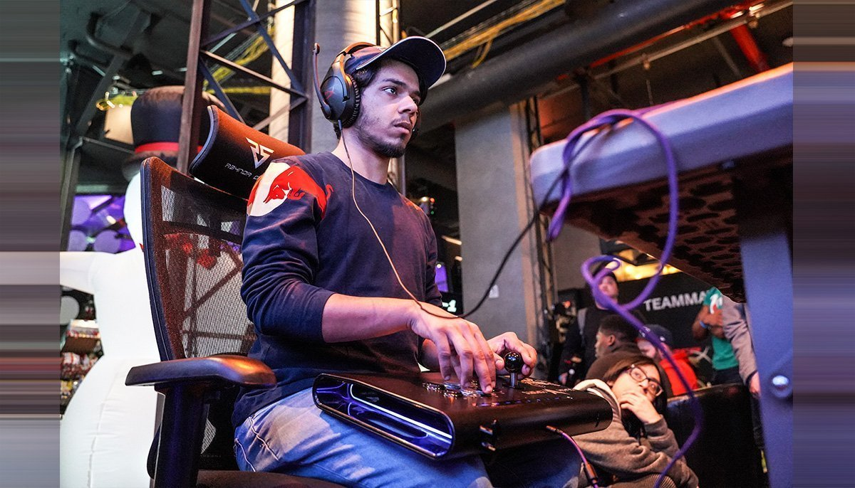 Arsalan Ash seen playing a video game. Photo: Patrick Maloney / Red Bull Content Pool