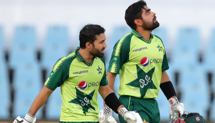 Pakistan national team captain Babar Azam (right) and Pakistans ace batsman Mohammad Rizwan. — Twitter/Babar Azam/File