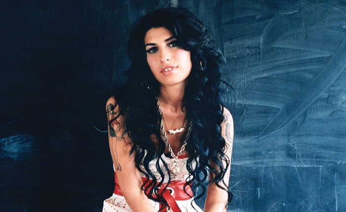 Amy Winehouses parent  shares her mentation    of events successful  the documentary which volition  aerial  connected  Friday