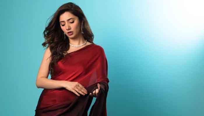 Mahira Khan reacts to Talha Talibs video