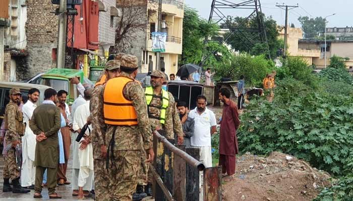 Pakistan Army troops assisting local administration in rescue effortsin Rawalpindi. -ISPR