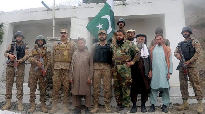 Pakistan returns five more Afghan soldiers: ISPR