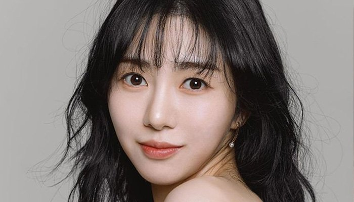 Former AOA member Kwon Mina unconscious after suicide attempt