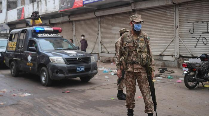 Complete lockdown in Karachi expected as Sindh corononavirus task force meets tomorrow amid rising cases