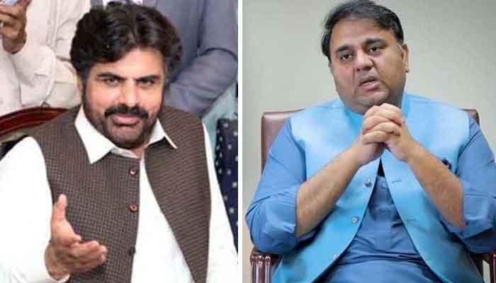 Sindh Minister for Information Nasir Hussain Shah (L) and Federal Minister for Information Fawad Chaudhry.