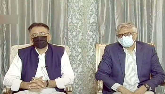 Federal Minister for Planning, Development, and Special Initiatives Asad Umar (left) and Special Assistant to the Prime Minister on Health Dr Faisal Sultan addressing a press conference in Islamabad, on August 2, 2021. — YouTube