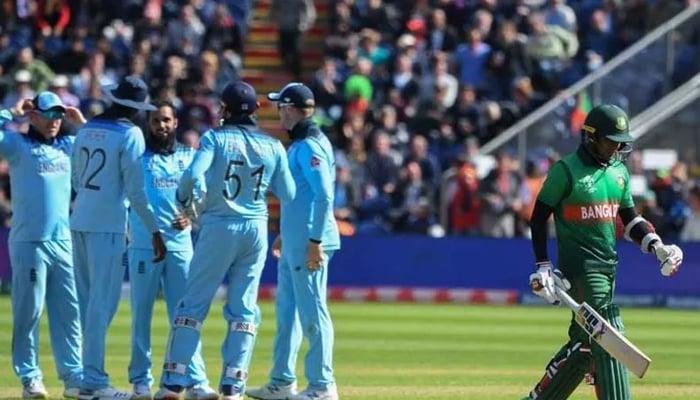 England team celebrate after dismissing a Bangladesh batsman. — AFP/File