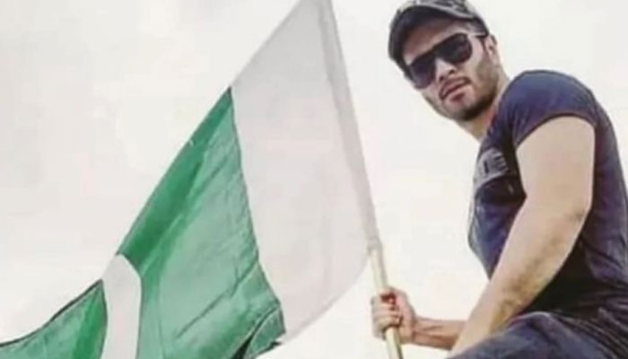 May the flag always fly high: Celebrities celebrate the 75th Independence Day with zeal and patriotism