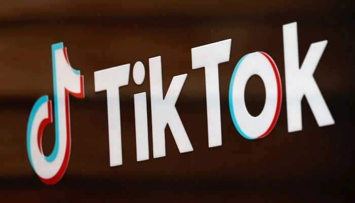 The TikTok logo is pictured outside the companys U.S. head office in Culver City, California, September 15, 2020. REUTERS/Mike Blake/File Photo