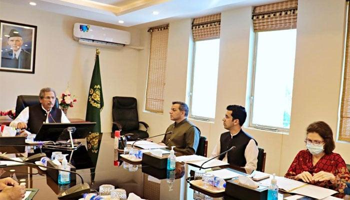 Federal Education Minister Shafqat Mehmood addressing theInter-Provincial Education Ministers Conference. — Ministry of Federal Education/Professional Training Twitter.