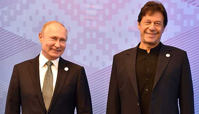 Russian President Vladimir Putin and Prime Minister Imran Khan pose for a photo prior to a meeting of the Shanghai Cooperation Organisation (SCO) Council of Heads of State in Bishkek on June 14, 2019. — Photo by Vyacheslav Oseledko/AFP
