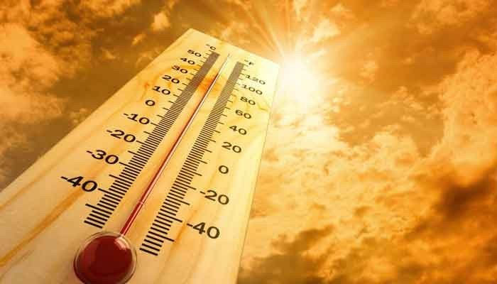 Temperature expected to hit41˚C in Karachi. Photo: File
