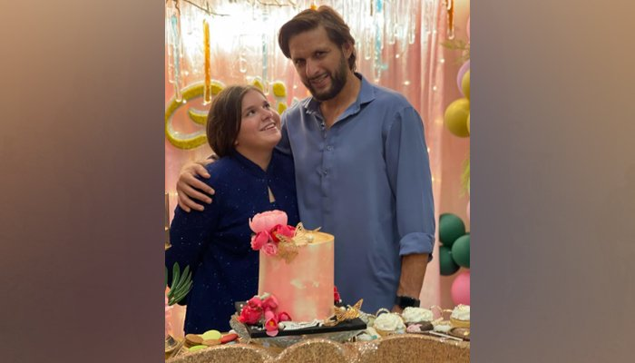 Former Pakistan cricket team captain Shahid Afridi with his daughterAjwa. — Instagram/safridiofficial