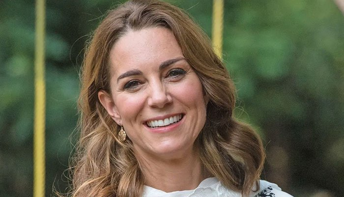 Kate Middleton 'got dumped' with royal duties after Prince Harry, Meghan Markle quit