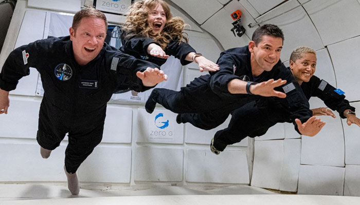 The four tourists of the SpaceXs maiden all-civilian space flight are enjoying weightlessness. Twitter