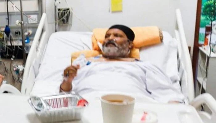 Veteran comedian and actor Umer Sharif is currently under treatment in a private hospital in Karachi. — Twitter/File