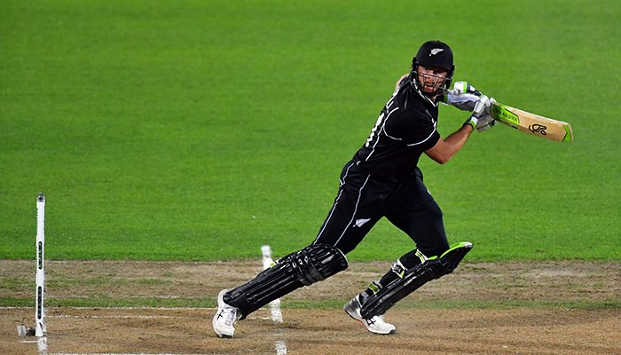 New Zealand´s Martin Guptill plays a shot during the first one-day international (ODI) cricket match between New Zealand and Bangladesh in Napier on February 13, 2019. Photo: AFP