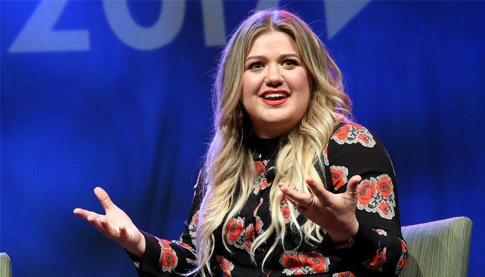 Kelly Clarkson shares details about learning how to prioritize her happiness - Geo News