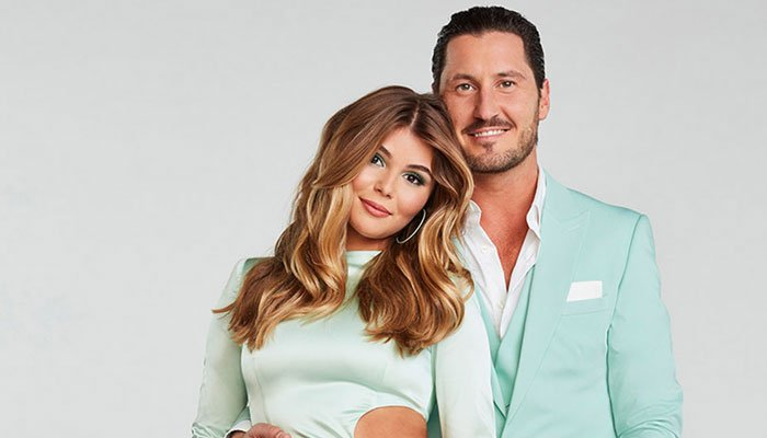 Olivia Jade makes DWTS debut with sister Bella by her side