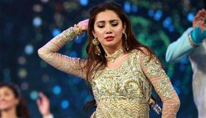 LSA 2021: Mahira Khans throwback dance performance goes viral