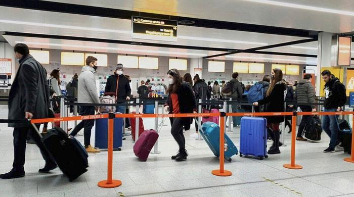 US to ease travel restrictions for fully vaccinated passengers in November