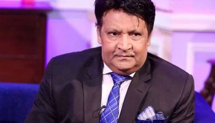 Famed comedian Umar Sharif, currently under treatment at a Karachi hospital for multiple ailments, will be transferred to the United States. File photo