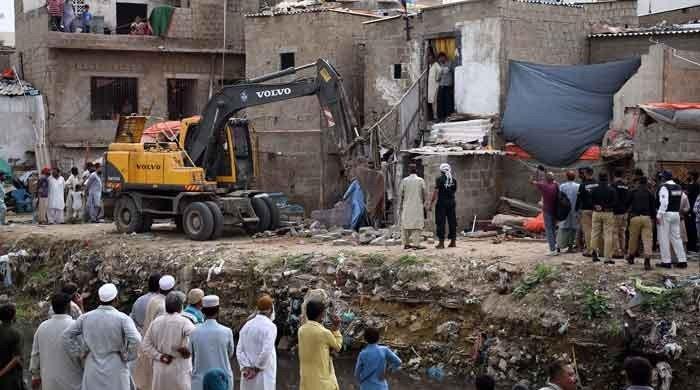 SC lashes out at Sindh govt for not rehabilitating Gujjar Nullah affectees