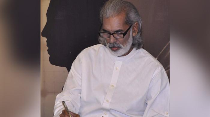 Journalist Waris Raza returns home after hours in custody
