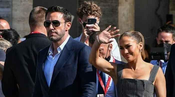 Ben Affleck, Jennifer Lopez reluctant to follow each other on social media?