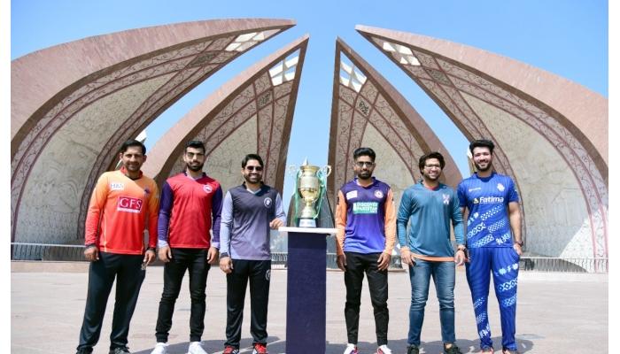 (Left-right) Sarfaraz Ahmed, Shadab Khan, Mohammad Rizwan, Babar Azam, Imam-ul-Haq and Sohaib Maqsood pose with the National T20 Cup trophy. Twitter/@PCB Media