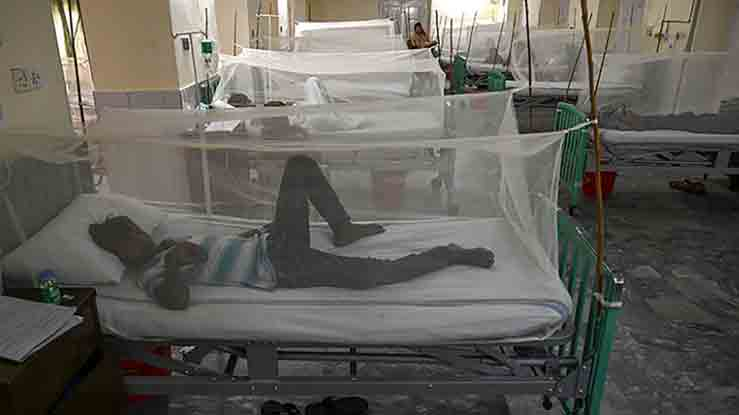 Dengue patients are treated at a hospital in Lahore. -AFP file photo
