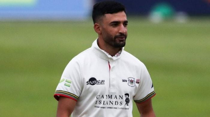 Pakistan's Zafar Gohar claims shocking wicket in county match