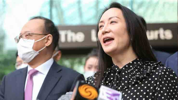 Huawei Technologies Chief Financial Officer Meng Wanzhou speaks to media outside the B.C. Supreme Court following a hearing about her release in Vancouver, British Columbia, Canada September 24, 2021. -REUTERS