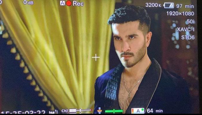 Feroze Khan announces project Ay Mushte Khaak with 7th Sky Entertainment