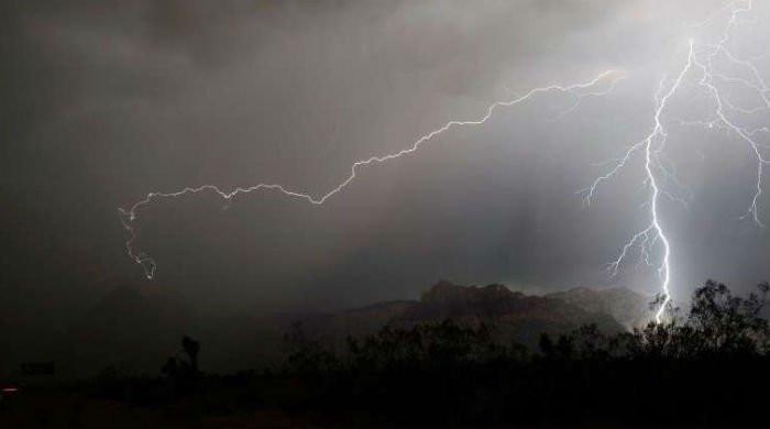 Lightning strikes in Tharparkar kill minor boy and four women