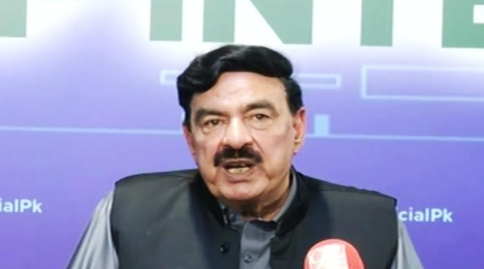 Govt, ECP coming closer on EVMs issue, says Sheikh Rasheed