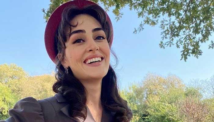 Esra Bilgic impatiently waiting for release of 'Kanunsuz Topraklar'