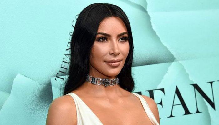 Kim Kardashian donates $3000 to needy family