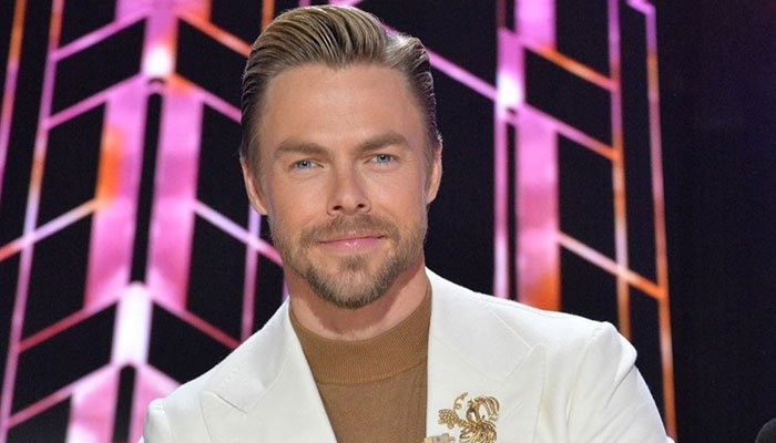 Derek Hough sits out of DWTS show over possible Covid-19 exposure