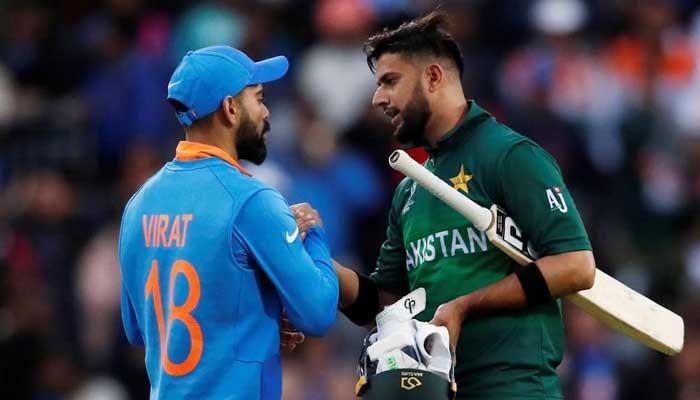 Pakistans Imad Wasim shakes hands with Indian skipper Virat Kohli. Photo: File